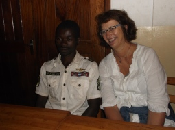 Sigrid kom med til Mgeta i 2011. Hun har vært spesielt opptatt av å legge til rette for samarbeid og aksjonslæring blant ungdommene i prosjektet samt å støtte deres utdannelse. Her sammen med Bosco. Sigrid sitter i dag i styret i Mgetas venner.