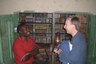 Solomon og Erling ble kjent med hverandre i 2006. De var begge opptatt av å forbedre lokalbefolkningens levekår og tok først utgangspunkt i prosjekter knyttet til samarbeidet mellom landbruksuniversitetetene i Norge og Tanzania omkring bruk av melkegeiter i landbruket. Et av prosjektene var knyttet til å undersøke om lokalbefolkningen ville etterspørre youghurt fra geitemelk.