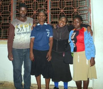 Bosco, Prisca, Mary og Happy (fra venstre) er nå ferdig utdanet fra Kibaha yrkesskole