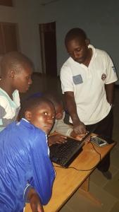 Solomon viser hvordan du kn gjøre beregninger og lage tabeller med PC.